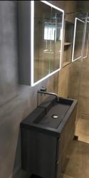 SHOWROOM MODEL INK badmeubelset Grijs hout front 80cm, wastafel quartz grijs en led luxe led spiegelkast 80cm 1208913972